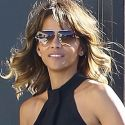 "<em><span class=""exclusive"">FIRST PHOTOS</span></em> - Halle Berry Looks Ecstatic During First Outing After Divorce Filing"