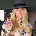 Kesha is Truly The Cat's Pajamas At LAX