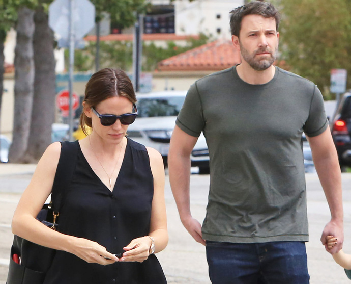 Jennifer Garner Pregnant; Trying To Save Marriage To Ben Affleck With Baby