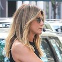 "<em><span class=""exclusive"">NOT PREGNANT!</span></em> - Jennifer Aniston Shows Off A Flat Stomach In A Sexy LBD"
