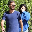 "<em><span class=""exclusive"">EXCLUSIVE PHOTOS</span></em> - Scott Disick Hangs Out With Kylie Jenner In Her Too-Short Short Shorts"