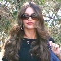 Sofia Vergara Is Looking Super Sultry While Filming <em>Modern Family</em> With Peyton Manning