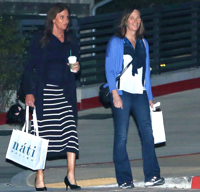 EXCLUSIVE PHOTOS - Caitlyn Jenner Finally Goes On A Date!