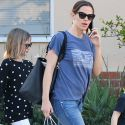 Why Is Jennifer Garner's Daughter Violet Carrying A Book About Raising Twins?