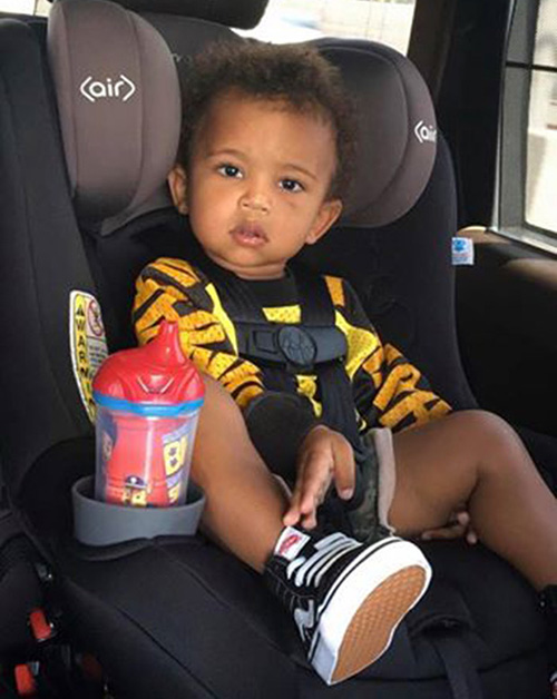 Kim Kardashian & Kanye West reportedly expecting twins via surrogate