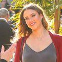 Pregnant Jessica Alba Radiantes Holiday Cheer