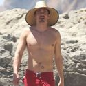 """<em><span class=""""exclusive"""">EXCLUSIVE PHOTOS</span></em> - Orlando Bloom Shows Off Those Abs Katy Perry Loves So Much On His Beach Day"""