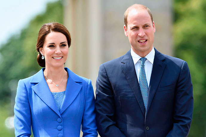 Kate Middleton admitted to hospital in the early stages of labour