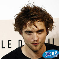 Rob Pattinson PattzInjured200.jpg